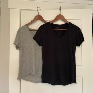 Set of 2 Everlane tshirts